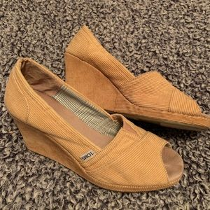TOMS CORDUROY WEDGES SIZE 9.5
